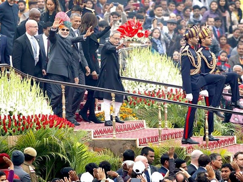 US President Barack Obama, President of India Pranab Mukherjee and Prime Minister Narendra Modi during Republic Day celebrations at Rajpath.(Ajay Aggarwal/HT Photo)