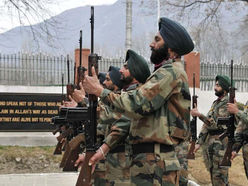 Colonel Munindra Nath Rai who received gallantry medal on Republic day was killed in J-K encounter at Pulwama district on Tuesday. Wseem Andrabi/HT