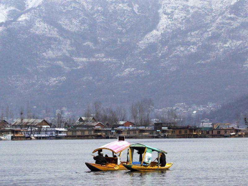 View of Dal lake on a sunny day on Wednesday. Waseem Andrabi/HT