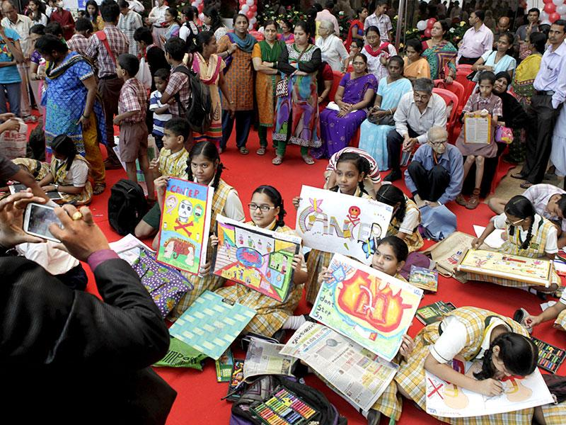 Kids from various schools participate in a drawing competition organized by Wockhard Hospital in Mumbai on the ocassion of World Cancer Day.(Kalpak Pathak/HT photo)