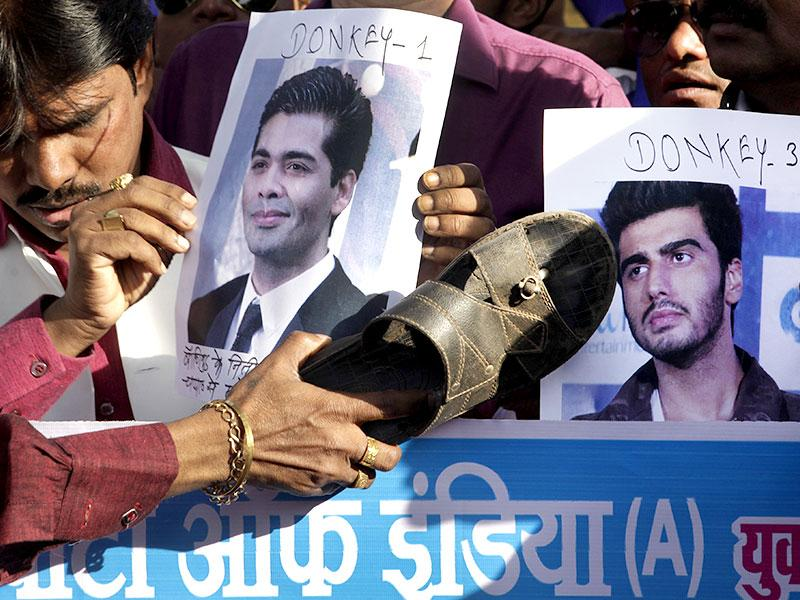 RPI members protest against stand-up comic group AIB's show featuring bollywood personalities Ranveer Singh, Arjun Kapoor and Karan Johar. (Kalpak Pathak/HT photo)
