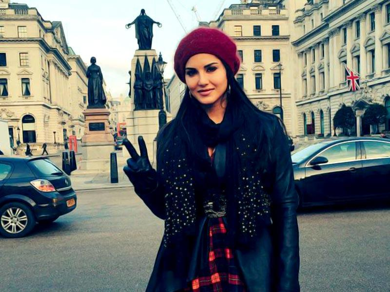 Sunny Leone's picture from London while on an outdoor shoot for Leela. (SunnyLeone/Twitter)