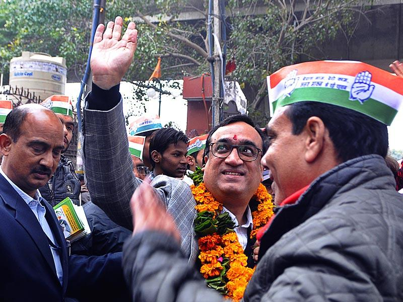 Congress candidate Ajay Maken during a road show at Shastri Nagar area in New Delhi. Congress has nominated Ajay Maken as their candidate from Sadar Bazar constituency in in New Delhi. (Subrata Biswas/HT Photo)