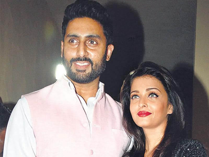 What made the day especially special for the Bachchans was the fact that it was also Abhishek's birthday. A beaming birthday boy was seen with wife Aishwarya Rai Bachchan at the event. (HT photo)