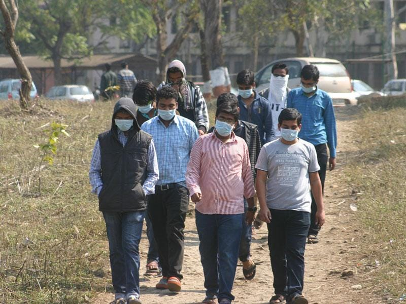 Swine flu terror grips MANIT campus in Bhopal. Students wear masks on Saturday. (Bidesh Manna/HT photo)