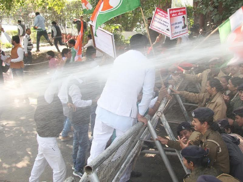 Haryana congress youth workers protest in Chandigarh.Keshav Singh/HT
