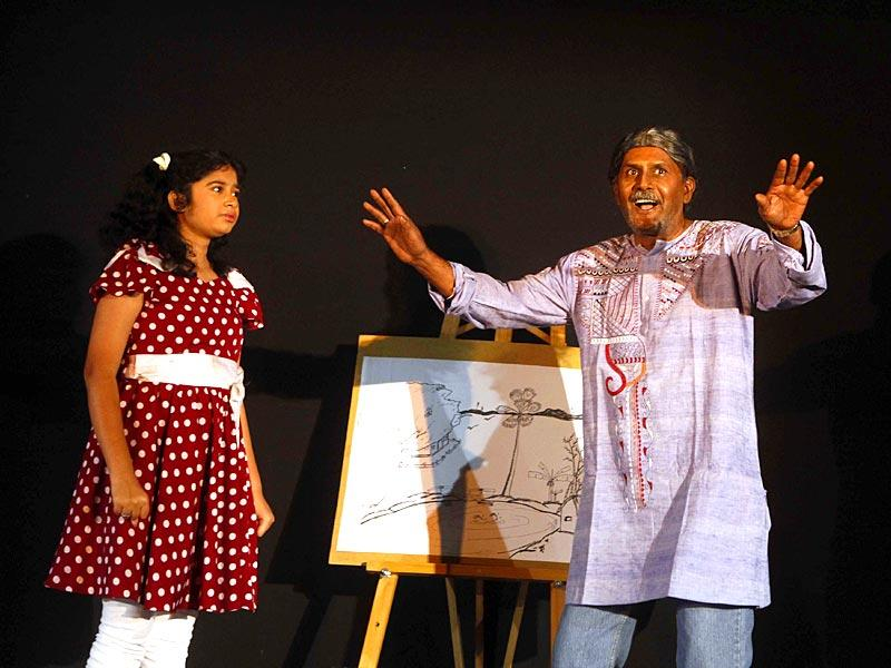 Artists perform 'Aamar Me Bela', a Bengali play by Roopangan Company at MC Ghia hall as a part of the HT Kala Ghoda Arts Festival in Mumbai. (Pratham Gokhale/HT photo)