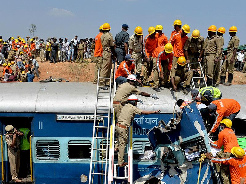 The accident occurred between Anekal-Hosur on the Karnataka-Tamil Nadu border at around 7:40am on Friday. (AFP photo)