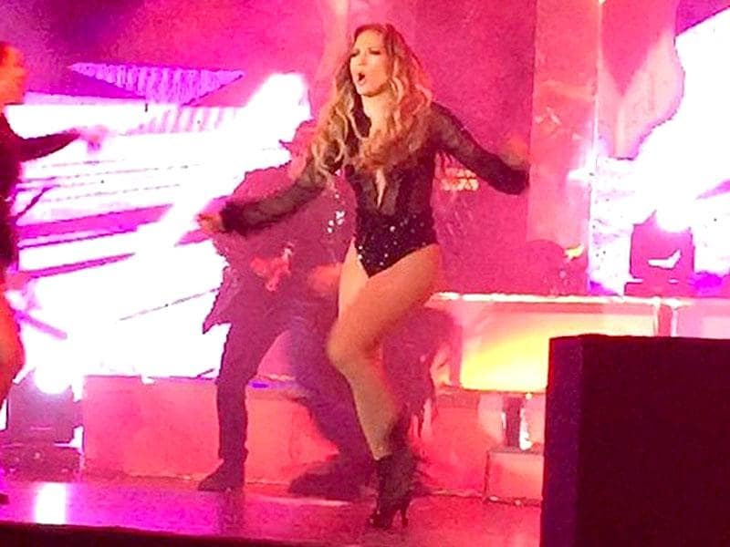 Jennifer Lopez performs at the high-profile wedding. (Courtesy: Twitter)