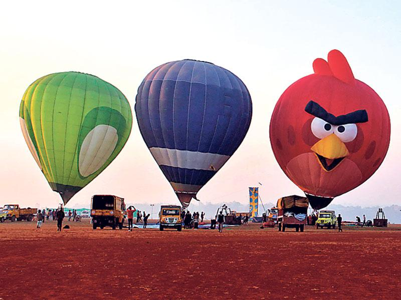 The International Balloon Festival is on at Kaliasaut and Lal Parade Ground in Bhopal. It will continue till February 15. (Praveen Bajpai/ HT photo)