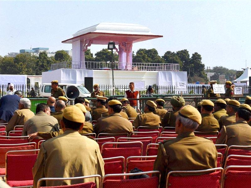Policemen at the Ramlila Maidan, the venue for the oath-taking ceremony of Arvind Kejriwal as Delhi chief minister, in New Delhi. (PTI photo)