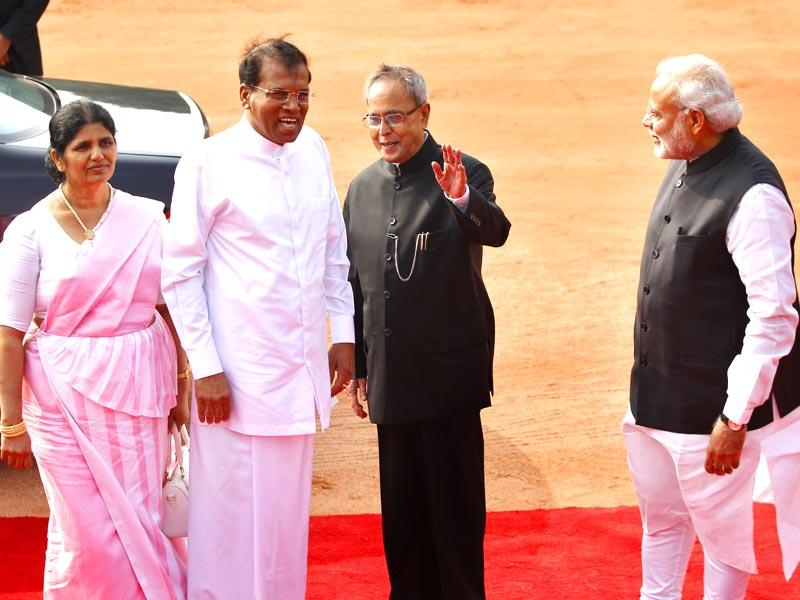 Sri Lankan President Maithripala Sirisena and his wife Jayanthi Sirisena welcomed by Indian President Pranab Mukherjee and Prime Minister Narendra Modi at the forecourt of Rashtrapati Bhavan. (Ajay Aggarwal/HT Photo)