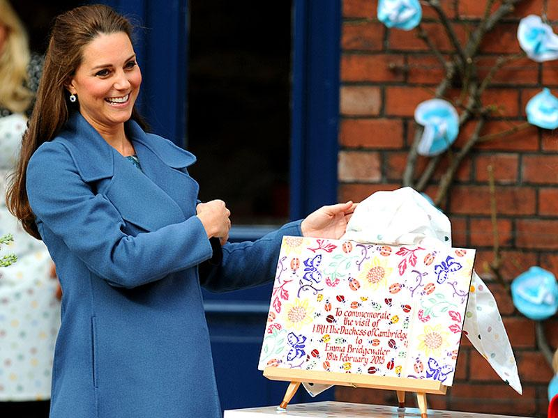 Duchess of Cambridge unveiled a plaque during a visit to Emma Bridgewater factory in England in February, 2015. (AP)