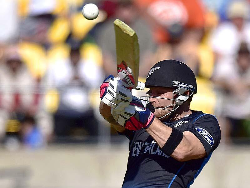 New Zealand batsman Brendon McCullum plays a shot against England in their 2015 World Cup match in Wellington. (AFP Photo)