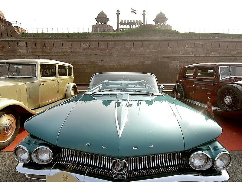 Vintage cars from across the world take part in the 5th 21 Gunsalute International Vintage Car Rally in Delhi. (HT Photo/Subrata Biswas)