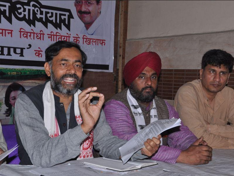 Senior Aam Aadmi Party leader Yogendra Yadav addressing media in Karnal. (CL Kashyap/HT File Photo)