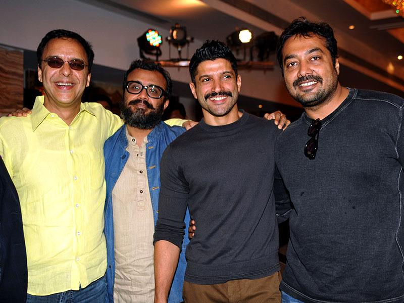 Bollywood film producer Vidu Vinod Chopra, film director and screenwriter Dibakar Banerjee, actor Farhan Akhtar and producer Anurag Kashyap pose during the launch a set of three Hindi screenplays in Mumbai on February 23, 2015. (AFP Photo)