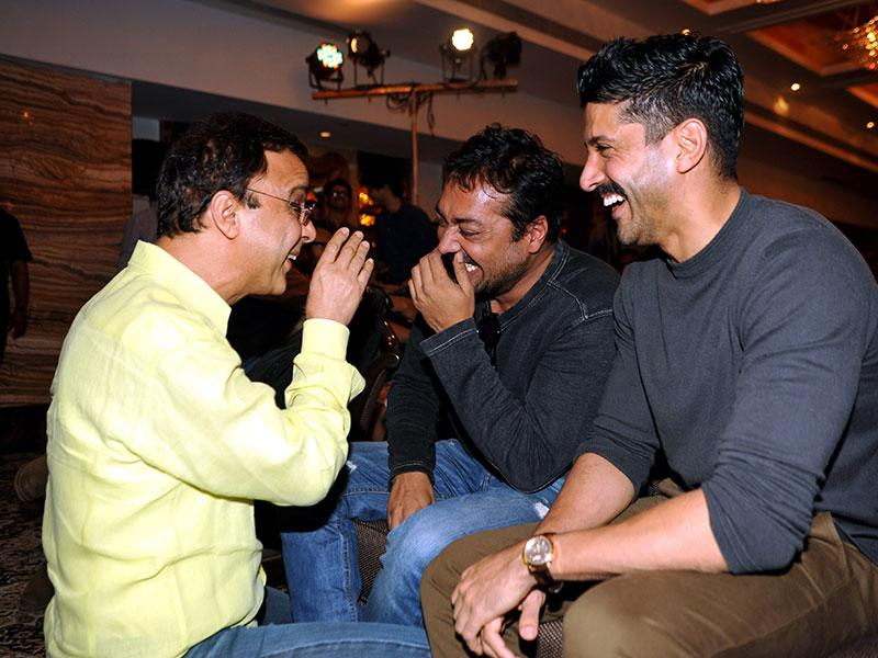 Bollywood filmmakers Vidhu Vinod Chopra, Anurag Kashyap and Farhan Akhtar had a fun-time at the launch a set of three Hindi screenplays in Mumbai on February 23, 2015. There was certainly something hilarious that the others were not aware of! Care to tell us guys? (AFP Photo)