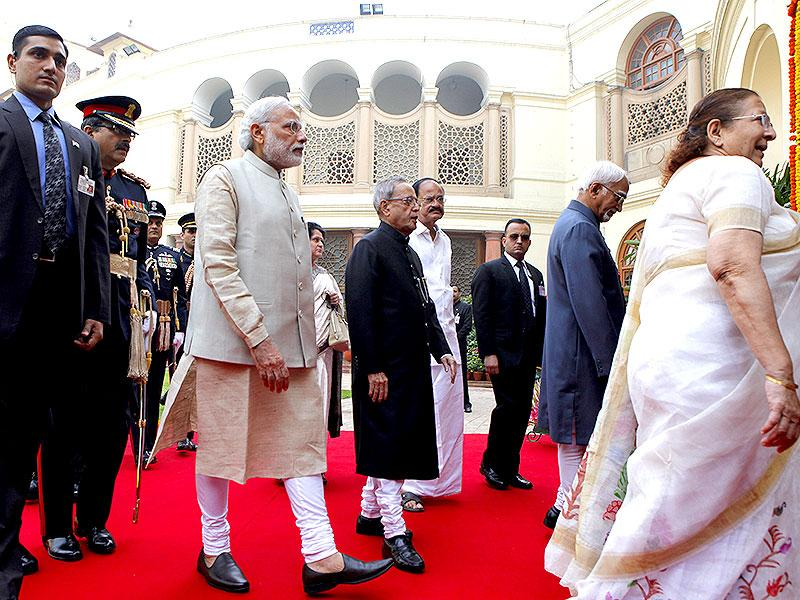 President Pranab Mukherjee, Prime Minister Narendra Modi, vice-president Hamid Ansari and Lok Sabha speaker Sumitra Mahajan arrive for the joint sitting of the Lok Sabha and Rajya Sabha MPs during the budget session of Parliament. (HT Photo/Arvind Yadav)
