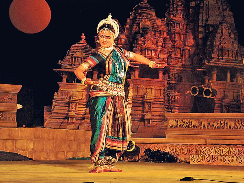 Sonali Mohapatra performs on the concluding day of Khajuraho Dance Festival on Thursday. (Mujeeb Faruqui/HT photo)