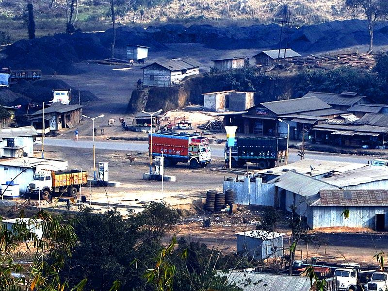 Shallang area which serves as an important coal trade town in the West Khasi Hills holds a deserted look after the ban on coal mining. (Arun Sharma/ HT Photo)