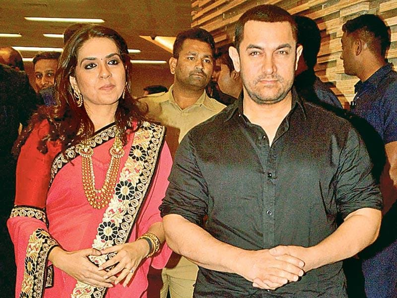 Aamir Khan and Shaina NC attended the charity event to support the cancer patients in Mumbai. (Photo: Yogen Shah)
