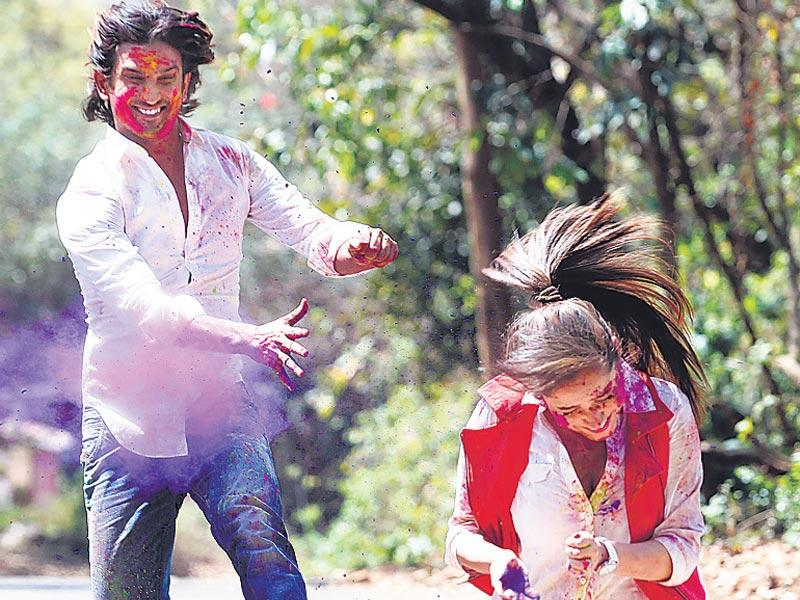 The couple says they are both fond of Holi. While Sushant likes to play dirty Holi, Ankita says she becomes a livewire on the festival. (HT photo/Vidya Subramaniam)