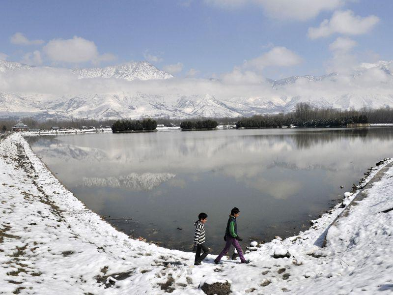 A snow covered road after a fresh snowfall in Srinagar. Waseem Andrabi/HT
