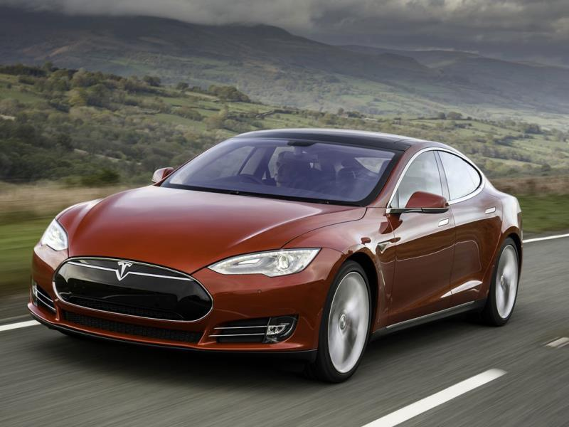 Tesla Model S P85D : This high-end version of the Model S is no less than the world's highest-performance electric car, as its combined output of 700hp takes it to a top speed of 250km/h and from 0 to 100km/h in just 3.4 seconds. Photo:AFP