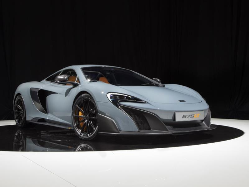 McLaren 675 LT : McLaren staged the world premiere of its 675 LT in Geneva. As indicated by the name, the supercar has a 675hp V8 engine, which takes it from 0 to 100km/h in under 3 seconds. A total of 500 675 LTs will be produced and sold for over €300,000 each (around $329,100). Photo:AFP