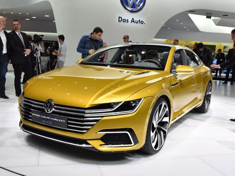 Volkswagen Sport Coupe GTE concept : The car, which gets high marks for its looks, also signals VW's intention to continue with its CC line of four-door coupés that blend practicality with excitement. Photo:AFP
