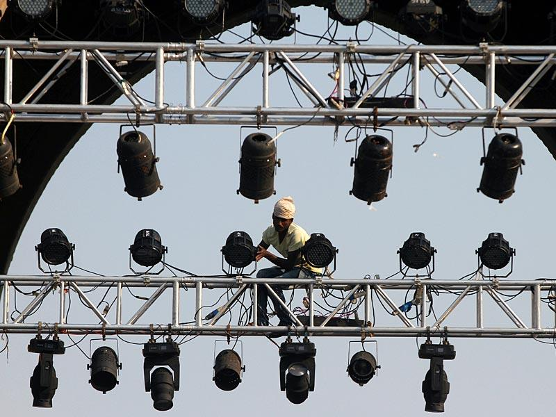 Preparations are in full sway on the eve of the celebrations of the 50th year of 1965 Air Campaign at Gateway of India, in Mumbai. (Arijit Sen/HT photo)