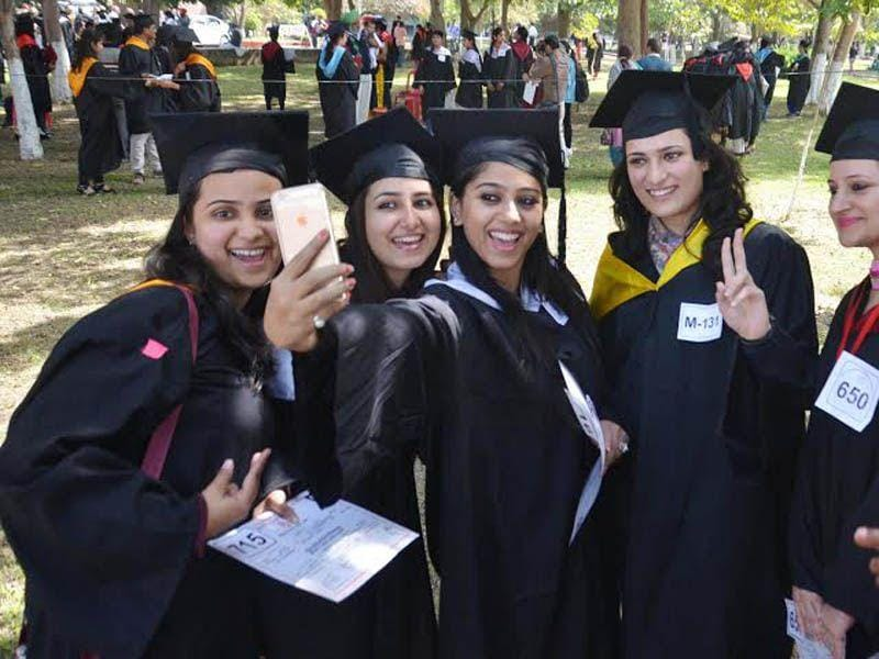 Students take Selfie after receiving degree at the 41st Annual Convocation of the Guru Nanak Dev University in Amritsar on Wednesday. Sameer Sehgal / HT