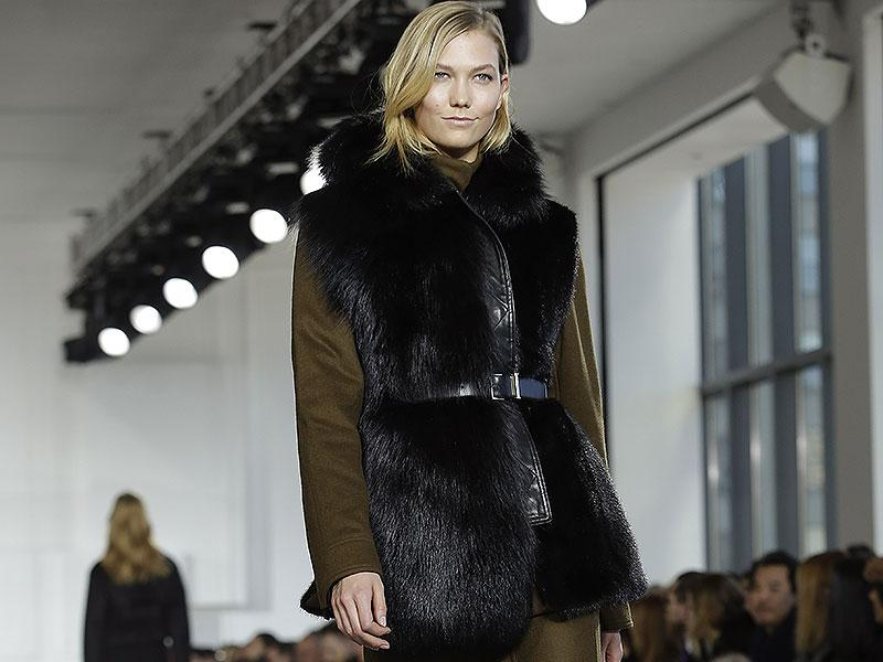 Jason Wu: Jason Wu opted for a natural and easy look.