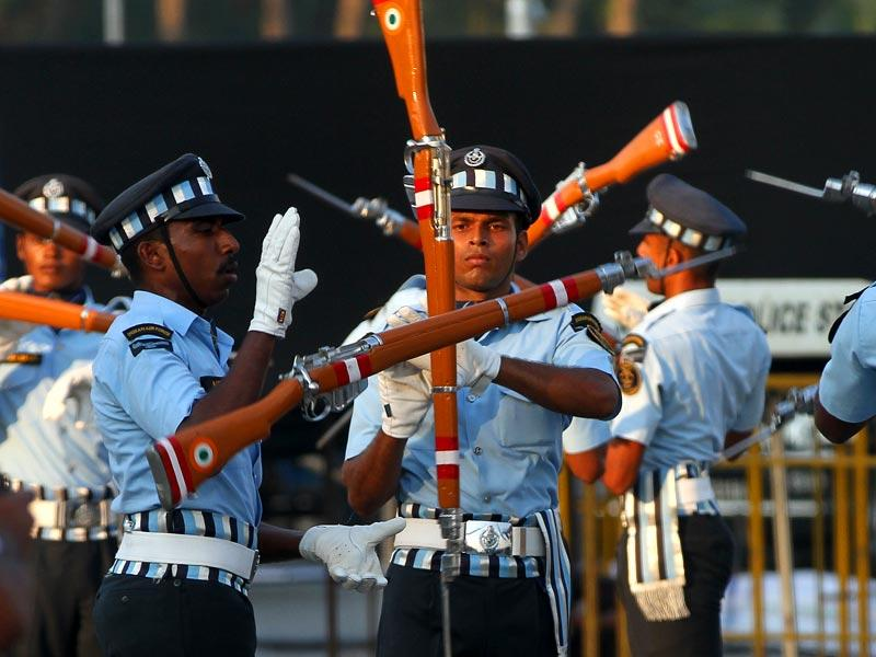 Indian Air Force personnel perform the continuity drill while rehearsing for the celebration of the 50th year of 1965 Air Campaign at Gateway of India, in Mumbai. (Arijit Sen/HT photo)