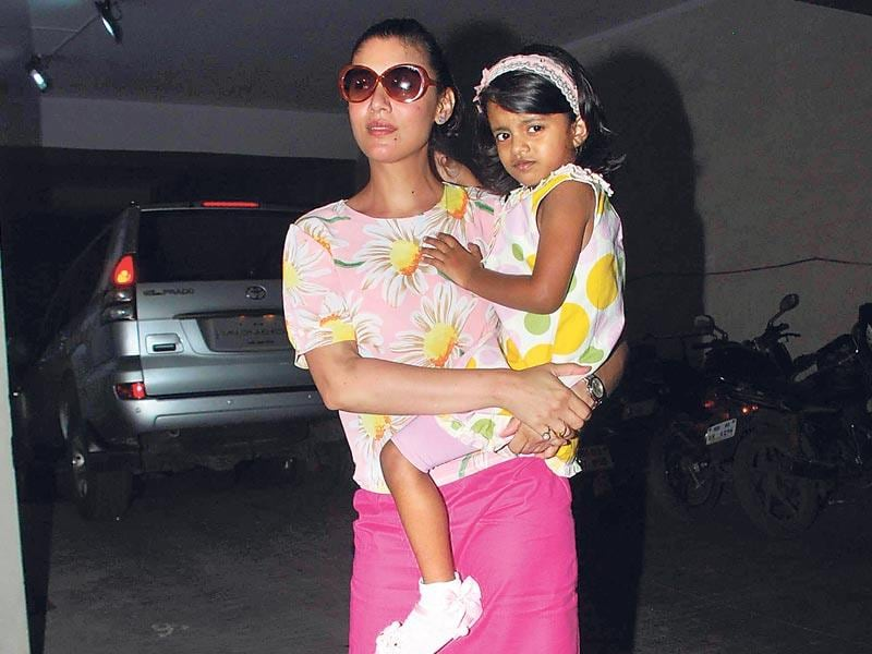 Manoj Bajpayee's wife Shabana Raza with daughter Ava Nayla at movie screening. (Photo: Viral Bhayani)