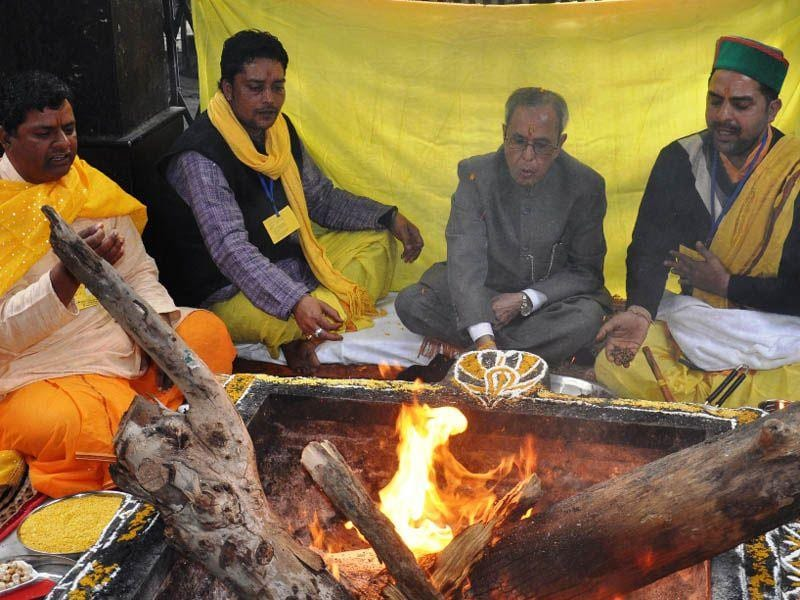President Pranab Mukherjee participating in Yagna at Baglamukhi temple on Sunday. Gaurav Bisht/HT