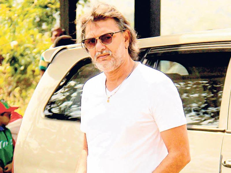 Rakeysh Omprakash Mehra arrives at Aamir Khan's place for the actor's birthday celebrations. (Photo: Yogen Shah)