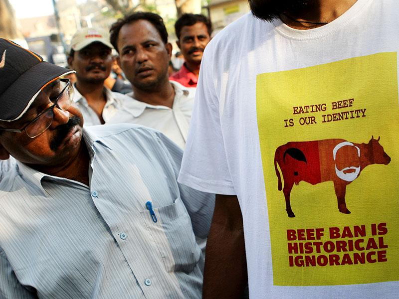 A student wears a T-shirt with a message protesting Maharashtra government's beef ban order. (Arijit Sen/HT photo)