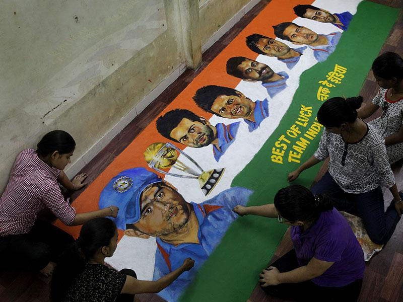 Students of Gurukul School of Arts, Parel made a rangoli wishing the Indian team ahead of their semifinal match against Australia in the ongoing world cup. (Kalpak Pathak/HT photo)