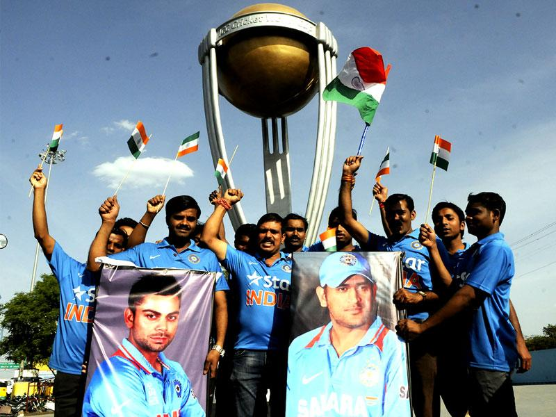 Members of Rudraksh Organisation raise slogan for India's victory in World Cup semifinal, in Indore on Wednesday. (Arun Mondhe/HT photo)