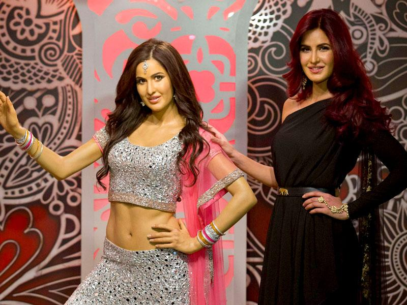 Katrina Kaif poses next to her brand new wax figure unveiled at Madame Tussauds in London, on March 27, 2015. (AFP Photo)