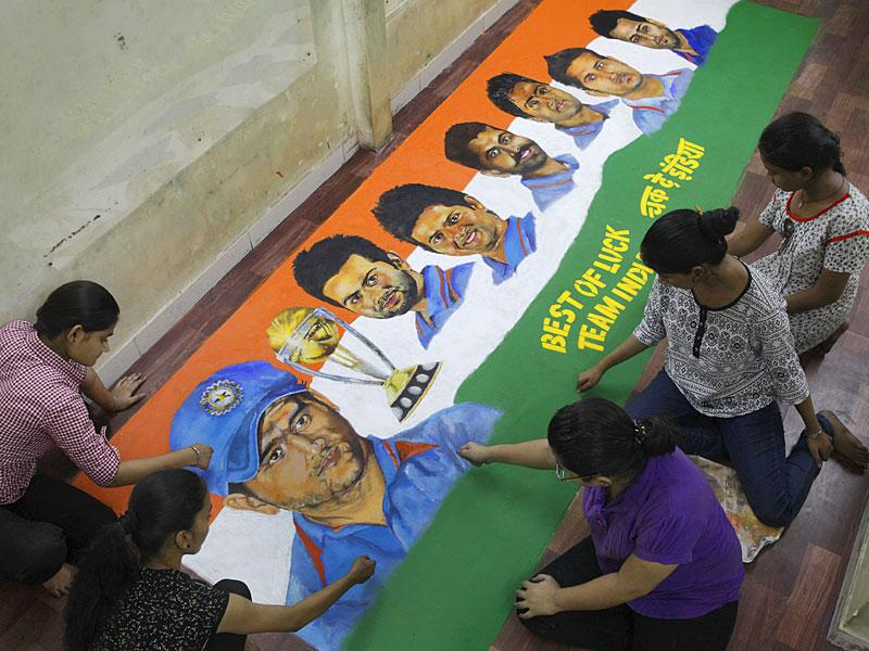 The students of Parel's Gurukul School of Arts made a rangoli based on the ongoing cricket world cup 2015. (Kalpak Pathak/HT photo)