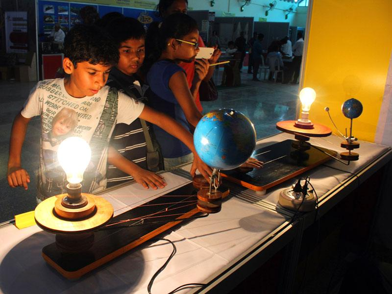 Teams from IIT-Bombay, NIFT and other technological institutes unveiled new ideas at the innovation festival at Nehru Science Centre, Mumbai. (HT file photo/ Shakti Yadav)