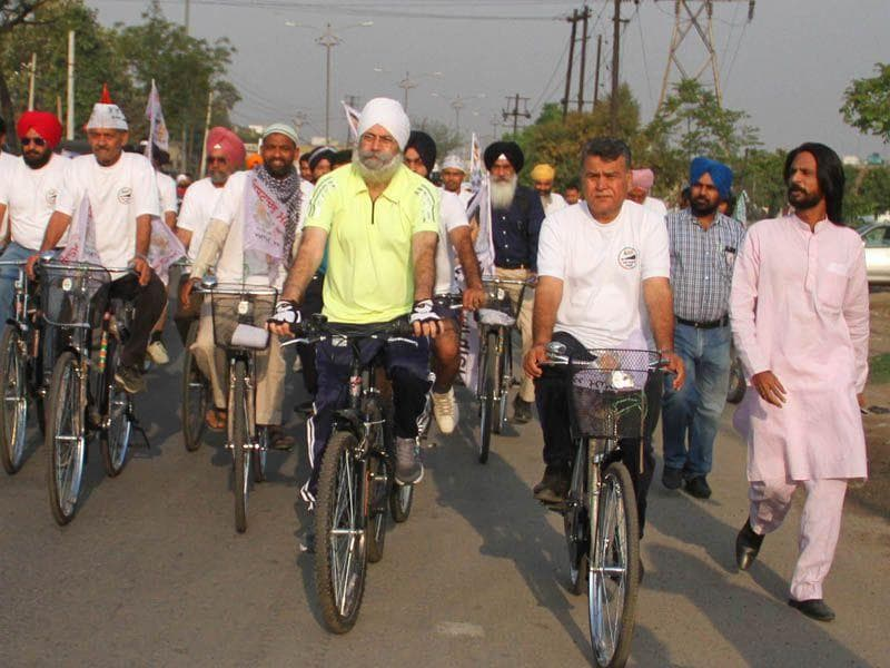 Cylce rally led Aam Aadmi Party. JS Grewal/HT