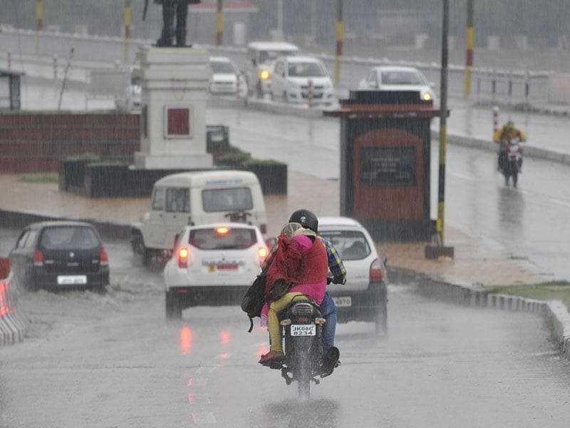 Heavy rainfall led to the closure of Srinagar-Jammu national highway. Waseem Andrabi/HT
