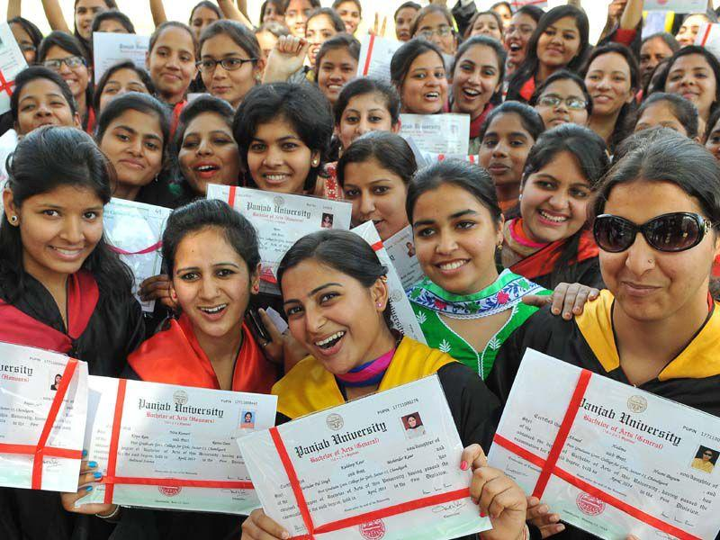 Students posing for the photograph after the annual convocation at GCG-11 in Chandigarh. Keshav Singh/HT