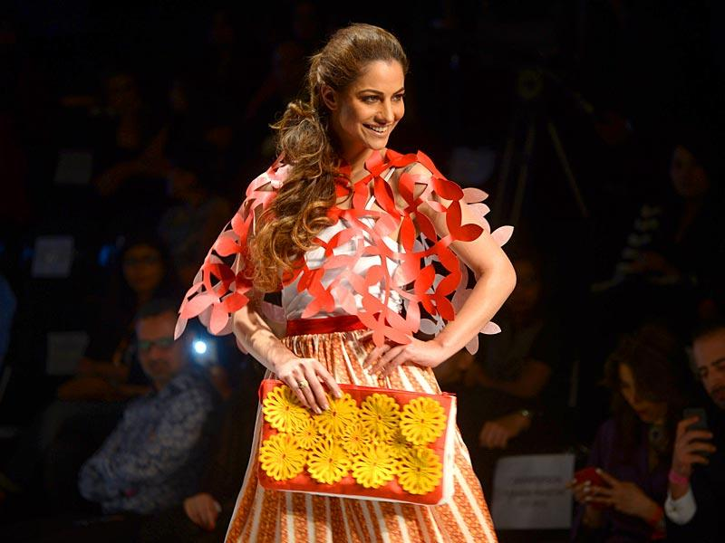 A model presents a creation by designers Madiha Raza at Fashion Pakistan Week in Karachi. (AFP)