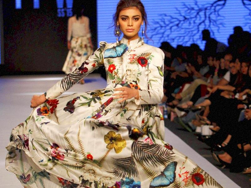 A model presents a creation by Pakistani designer Zaheer Abbas. (Photo: AP)