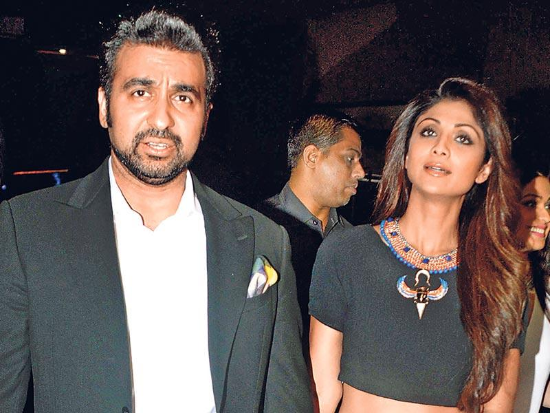 Raj Kundra with wife Shilpa Shetty Kundra at the Fast and Furious 7 premiere in Mumbai. (HT photo)